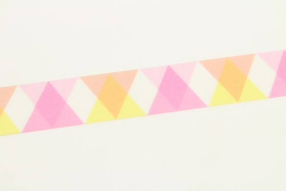 mt-washi-masking-tape-MT01D335Z_triangle_and_diamond_pink_roll-1.jpg